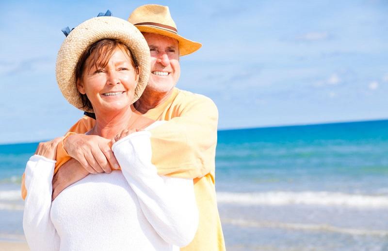 Как устроиться на работу социальным работником для помощи пенсионерам