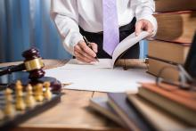 Зачем пользоваться услугами юриста